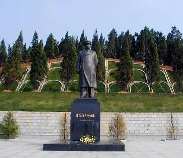 罗荣桓元帅铜像 衡阳旅游景点 衡阳旅游攻略